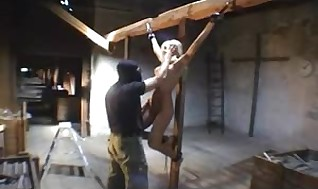 Crucified ladies -modell vera