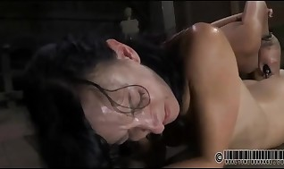 Labia-licking Clipping For Beautys Arched
