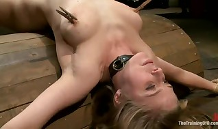 Extraordinaire Penny Pax Munches A Tackle And Has Played In Her Assfuck