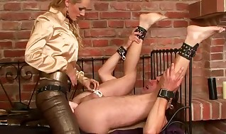 Female dom nut sack gets fisted